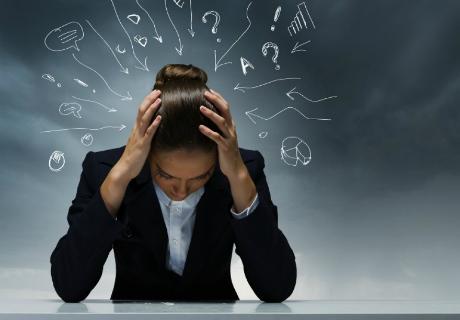 Pensamentos intrusivos: O que são e como superá-los?