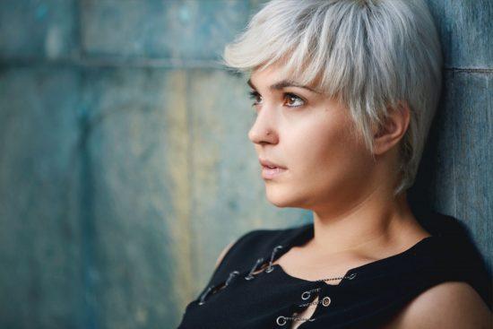 4 sinais de que a baixa autoestima está deixando você ansioso
